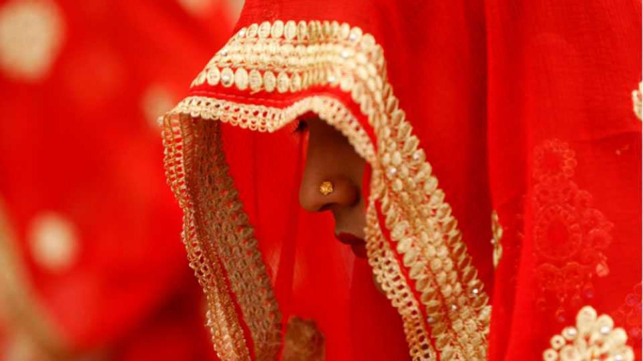 marathi news bride saw her boyfriend at her wedding just before wearing mangalsutra and.....