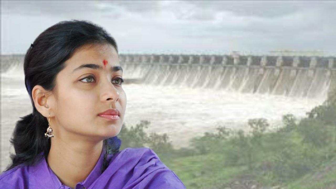 Praniti Shinde Aggresive over Ujani Water