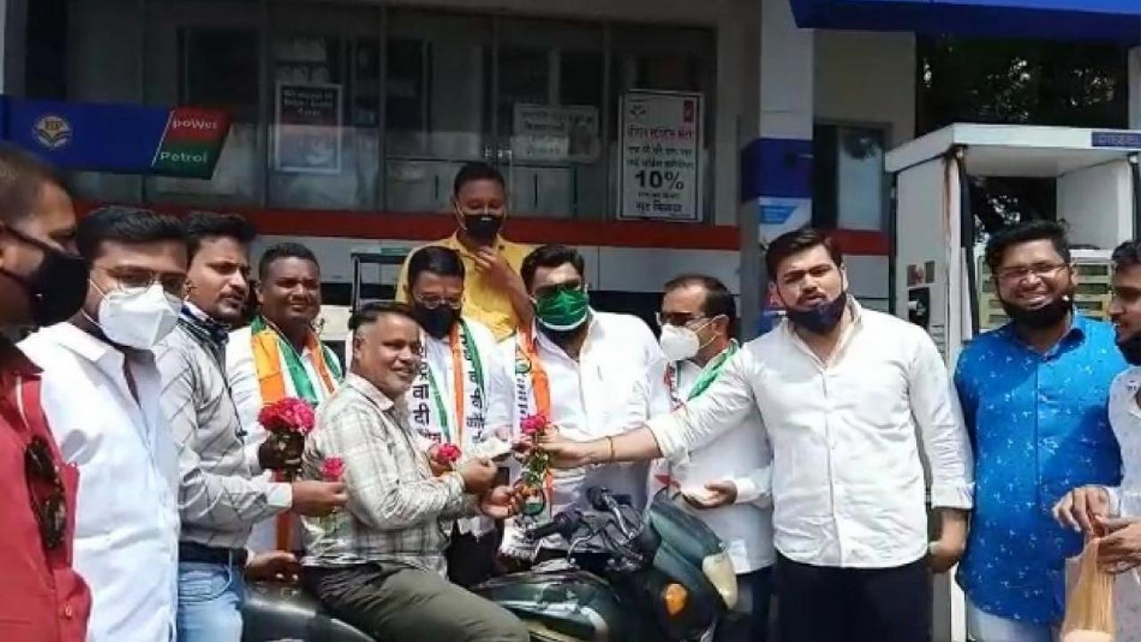 NCP Youth Congress agitation in Dhule against fuel price hike
