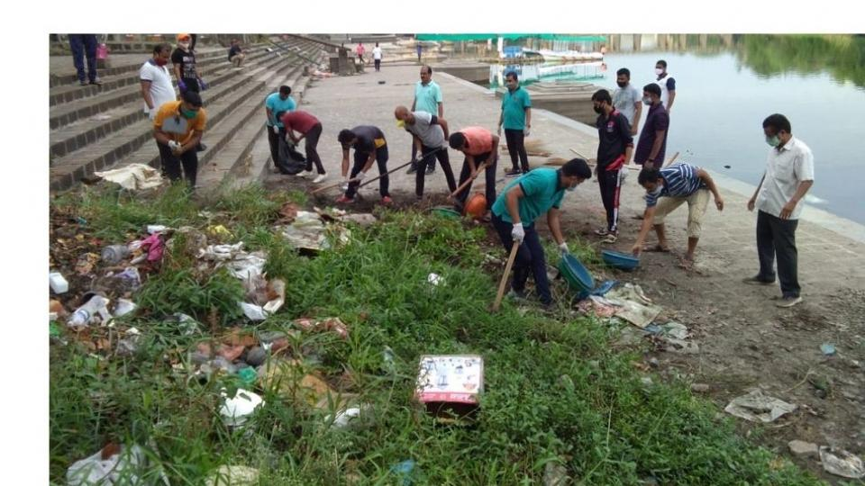 Seventy friends carried out a clean up operation on the banks of Indrayani river in Dehu
