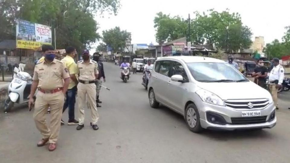 Dhule police action against violators of rules