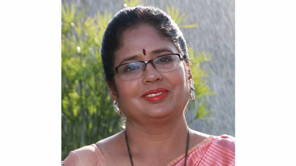 marathi news prajakta kale from pune becomes the first to hold the doctorate degree in 'bonsai'
