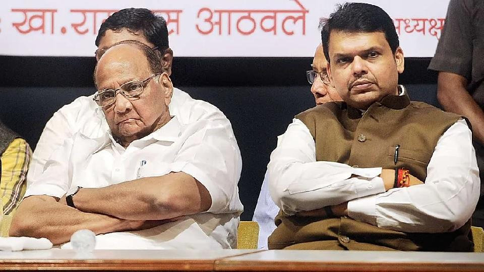 Devendra Fadnavis Criticize Sharad Pawar On His Statement On Cast