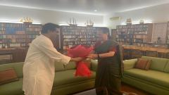 raj thackeray and sonia gandhi meet