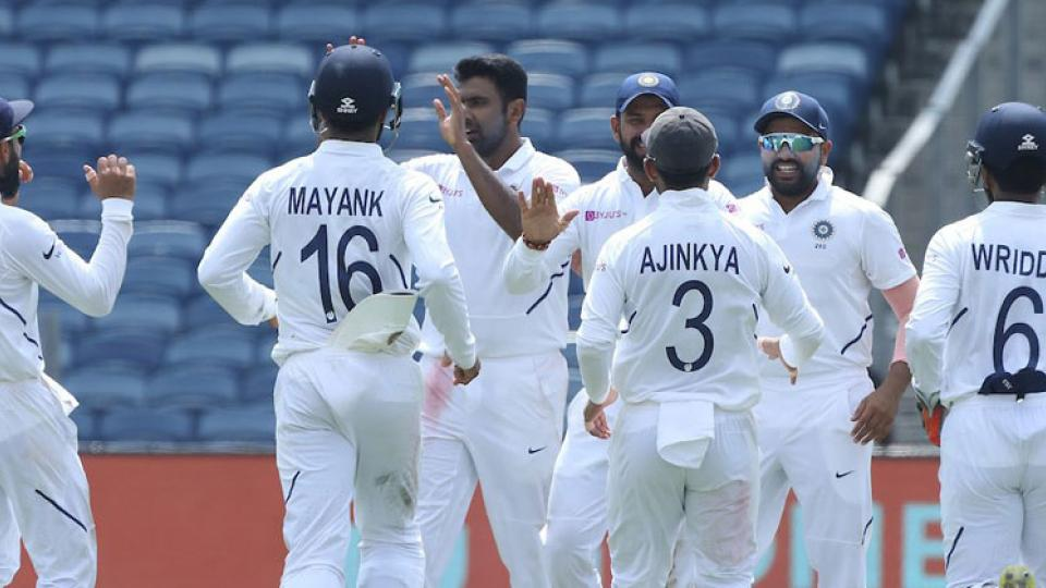 South Africa scores 275 at the end of the 3rd day in 2nd test