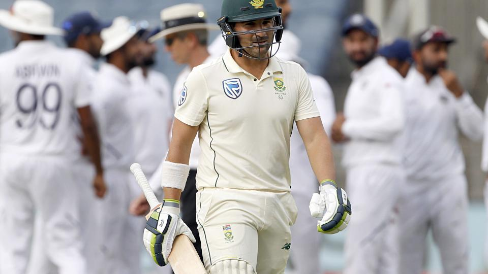 South Africa stands on 136 for 6 berfore lunch on test day 3 against India