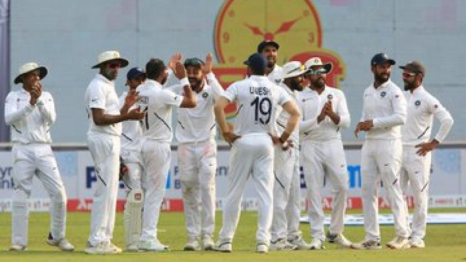 Indian bowlers gave a good start on day 3 against South Africa