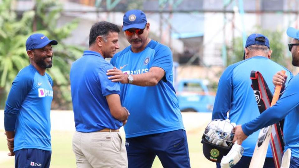 Twitter erupts as BCCI shares a photo of Rahul Dravid and Ravi Shastri together