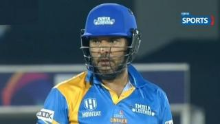 Yuvraj-Singh-Sixer-Video