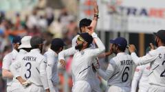 Indian Captain Virat Kohli and fast bowlers put India ahead on first day on Pink Ball test