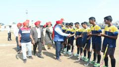 Hockey Players Were Greeted By Sanjay Bhagwat
