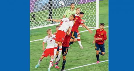 Polad-and-Spain-Football-Competition
