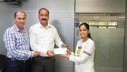 Woman donates first salary to Sakal India Foundation