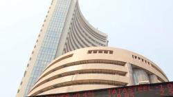 Sensex snaps 3-day rally, ends 131 pts lower on recession fears