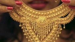 Gold prices jump Rs 485 on weaker rupee, geo-political tensions