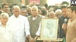 Govt's 'dictatorship' should be fought with non-violence:Pawar