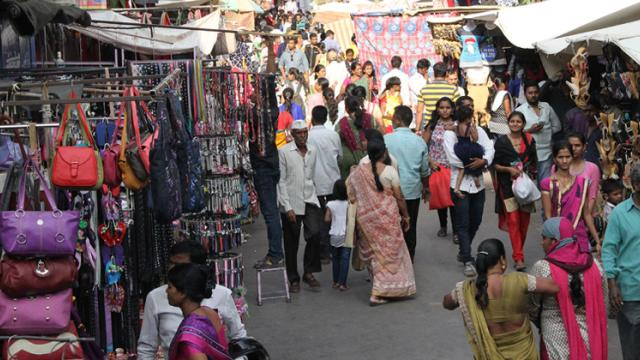 Pune: PMC takes action against traders in Tulshibaug