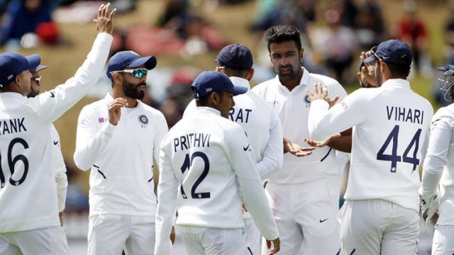 Rahane, Vihari fight back after Boult show