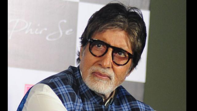 Amitabh Bachchan starts distribution of 2,000 food packets