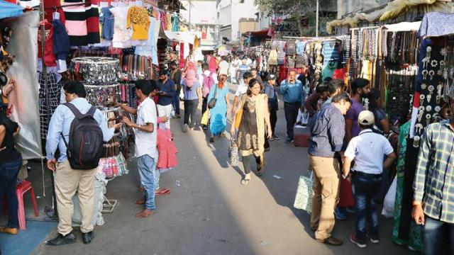 Pune: If shopping malls are allowed to operate every day, why not street shops, ask trade associations