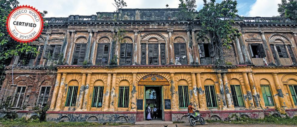 SERAMPORE RAJBARI: Also known as Goswami bari of Serampore, this is the oldest Zamindar structure standing in Bengal today. Now the building is a hotspot for movie shootings and has become one of the iconic heritage structures in the state (Pic: Debarchan