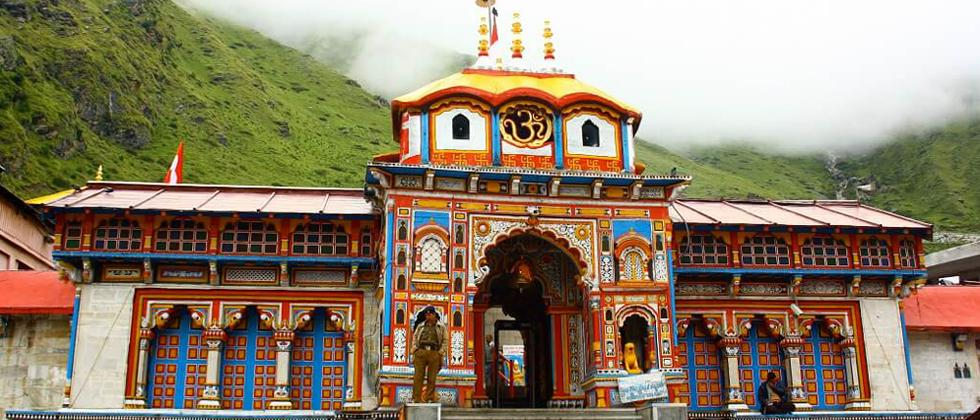 Badrinath temple opens in Uttarakhand, no devotees allowed amid COVID-19.