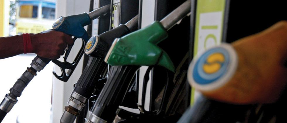 Delhi: After a 7-day pause, Diesel extends gain over petrol