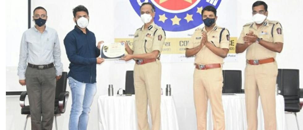 Pune: Plasma donors felicitated at the hands of city Police Commissioner K Venkatesham