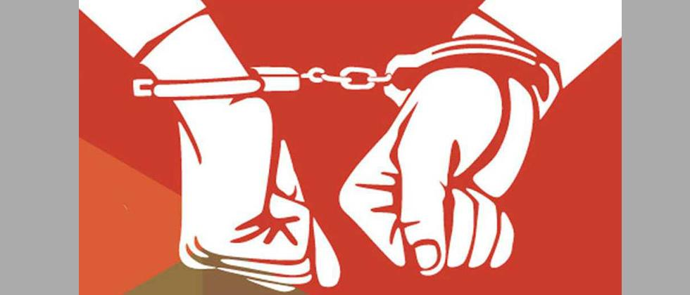 Khadki police arrest two for impersonating ACB officials