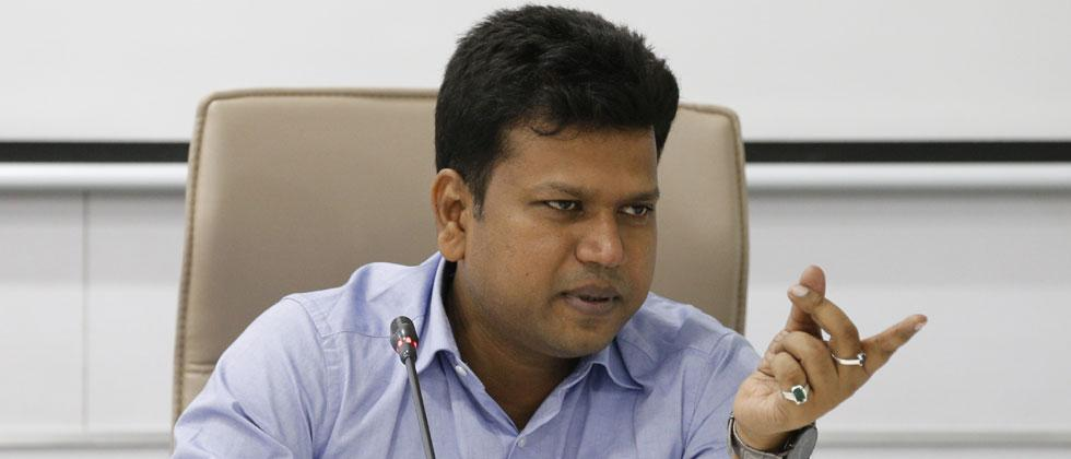 Pune District Collector appeals to people to contact district collectorate for helping migrant labourers