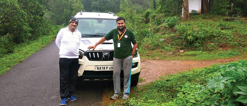 Sanjay Takale with his navigator Mohammed Mustafa on the route of the Mahindra Adventure Monsoon Challenge Rally.