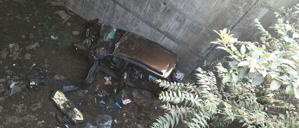 2 killed, 5 hurt as car falls into duct in Bhor