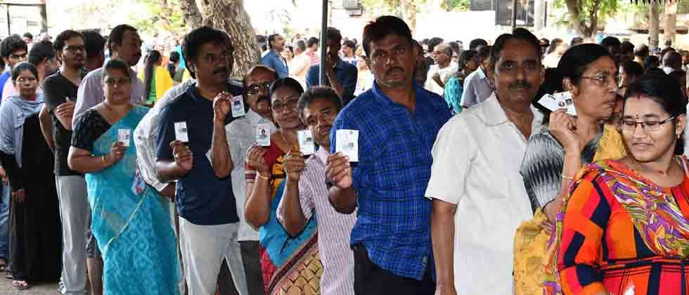 Maharashtra: Scions, stalwarts fight for 14 seats in phase 3