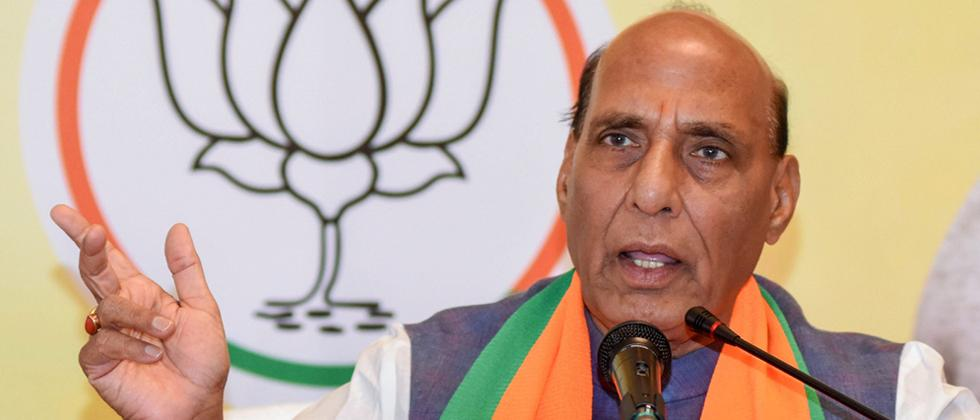 BJP leader Rajnath Singh criticises Maha Govt over poor handling of COVID-19 situation