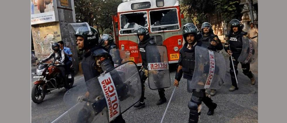Bandh: No school buses running in Mumbai, BEST buses attacked