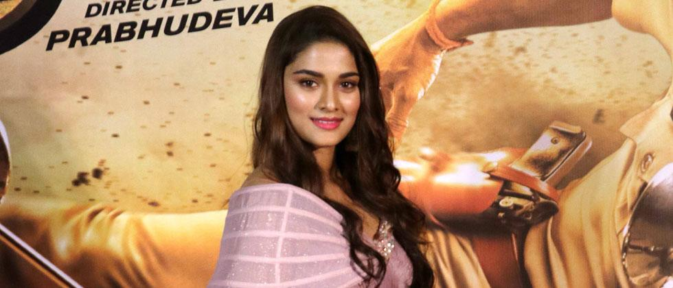 Saiee Manjrekar to share screen with her parents in 'Dabangg 3'