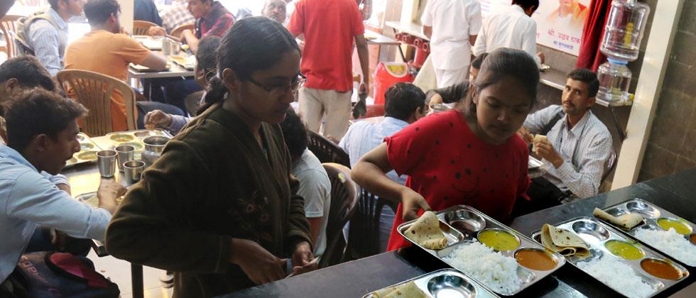 Rs 10 ''Shiv Bhojan'' meal actually costs Rs 50 in cities