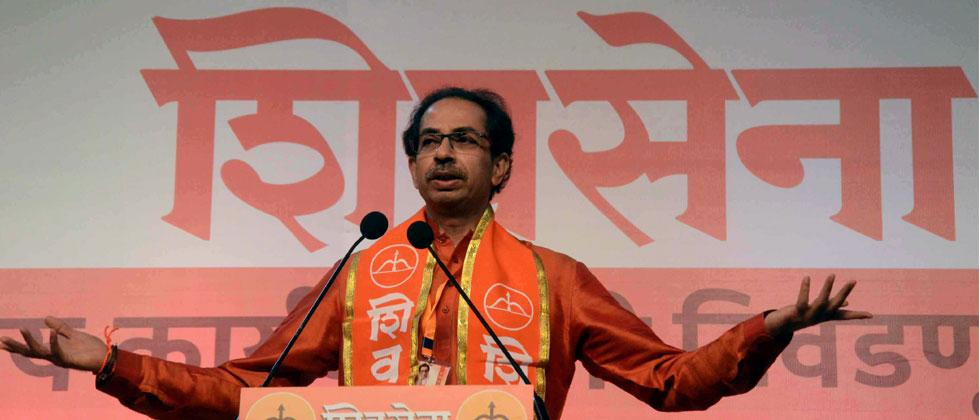 Shiv Sena Executive President Uddhav Thackeray addressing after the Shiv Sena Executive Members meeting at NSCI