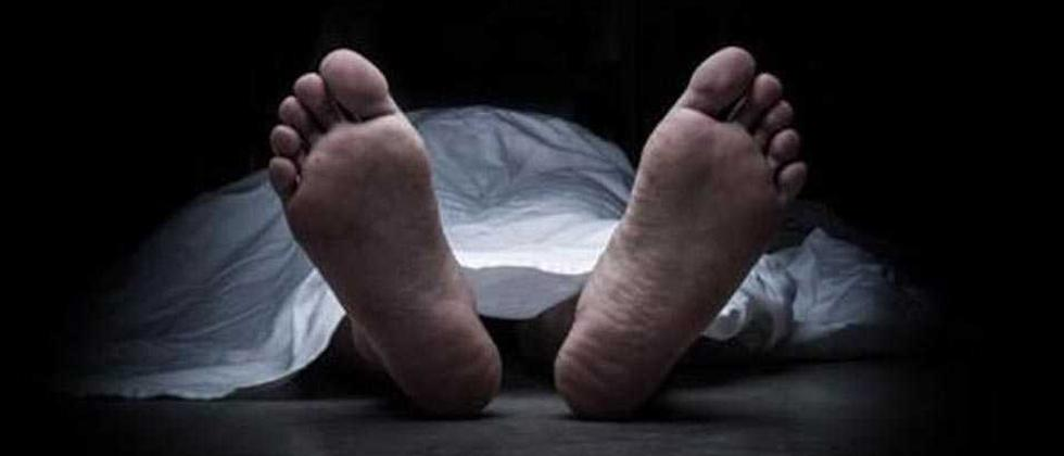Gujarat: Four children among six of family found dead