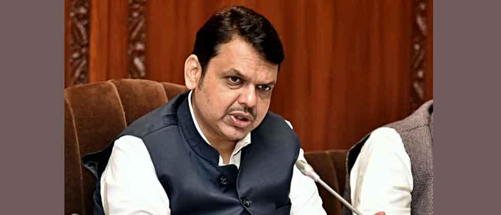 Devendra Fadnavis quits, accuses Shiv Sena for deadlock in Maharashtra