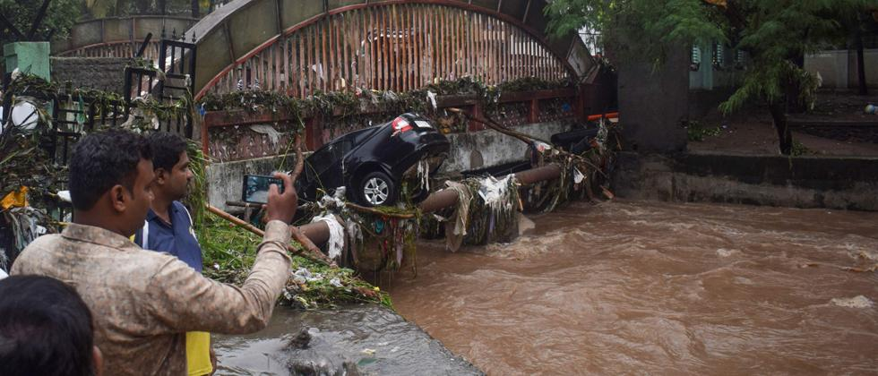 Intense rain pounds Pune; 17 killed, nearly 16,000 rescued