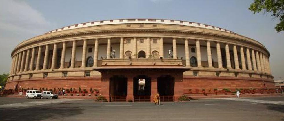 Cong ups ante in LS over PM's remarks against Manmohan Singh
