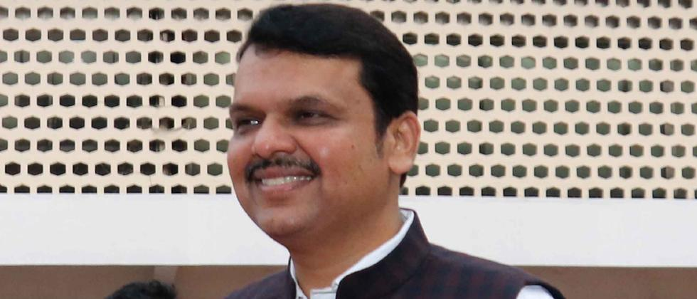 Fadnavis rubbishes Hegde's claim on central funds
