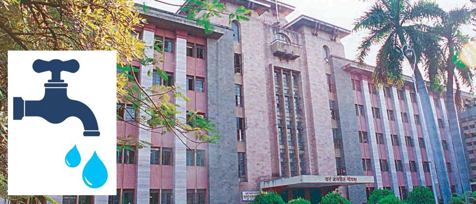 PMC issues notices to 2 firms over tardy work
