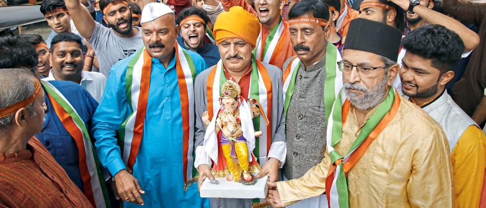 With much fervour, city gives Bappa a grand welcome