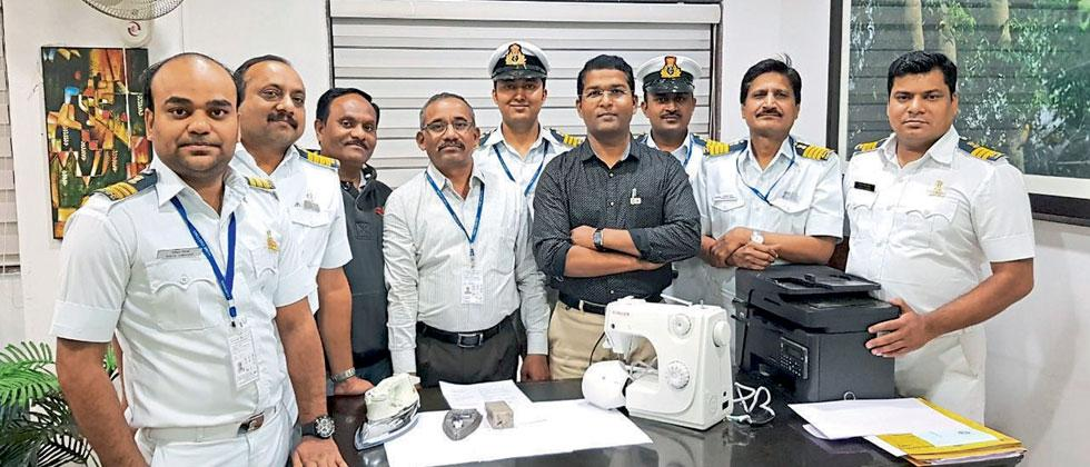 Flier with gold worth Rs. 97 lakh kept in sewing machines nabbed at Pune airport