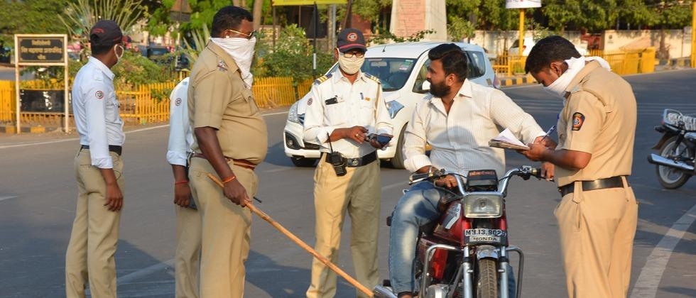 Pune Police impose fine on 5,000 citizens for not wearing masks at public places