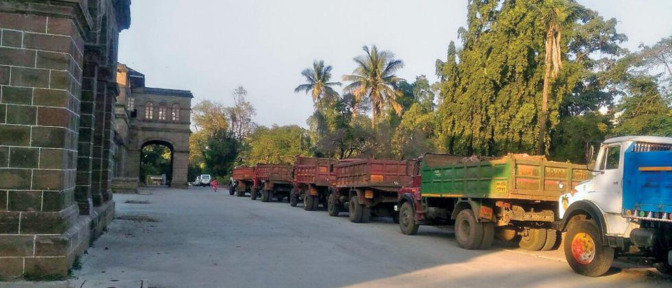 Seven trucks with debris apprehended at UoP campus