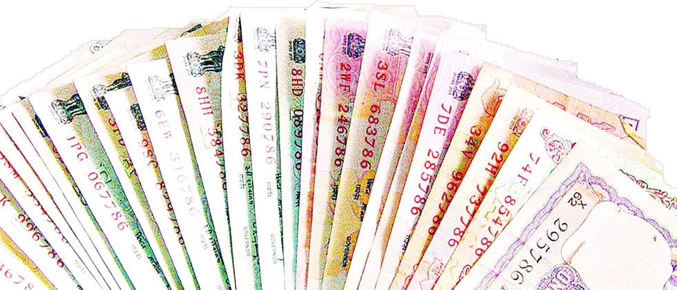 Rupee falls further, now hits 72.35 per dollar
