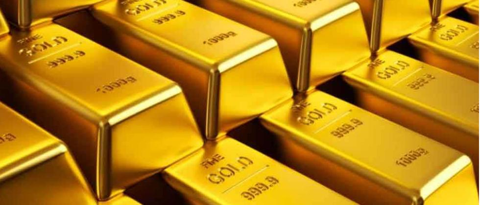 Gold tumbles Rs 954 on strong rupee, global cues
